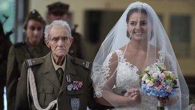Tohle vás dojme! Válečný veterán doprovodil vnučku k oltáři. Dva dny nato zemřel