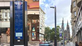Praze chybějí dobíjecí místa pro elektromobily. Pomohou lampy, město jich chce připravit 3000 do šesti let