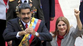 """První dáma čelí sankcím. """"Nesahejte na ni,"""" dopálil se prezident Venezuely"""