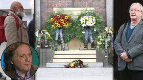 """Pohřeb herce """"bláznů"""" Julka Neumanna (†65): Loučil se Goldflam i Lábus!"""