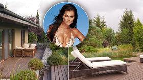 Jak bydlí modelka a lékárnice Jana Doleželová? Luxus u dálnice s vlastním jezírkem