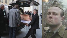 PŘÍMÝ PŘENOS: Pohřeb herce Milana Šimáčka (†56) z Černých baronů v Chrámu sv. Víta