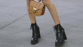 Okořeňte svůj styl a obujte drsné boty k něžným šatům! Kde koupit ty nejhezčí?