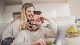 O čem spolu mluví šťastné páry? Je to těchto 9 věcí, zkuste to taky!