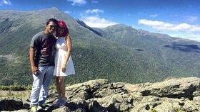 Manželé zemřeli při focení na útesu. Před smrtícími selfie sami varovali