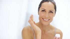 Vrásky na čele, kolem úst i očí: Jaké krémy používat, abyste zpomalila jejich vznik