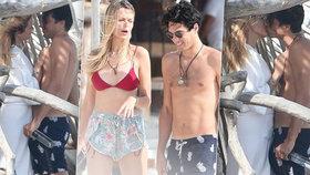 Sexy Němcová sbalila fešáka: Žhavá líbačka na pláži v Mexiku!
