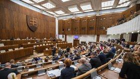 Ficův politik komunikoval s Kočnerem. Slovenská koalice zablokovala jeho odvolání