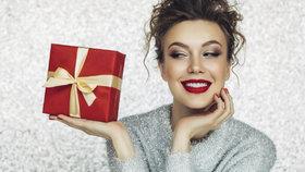 Vánoční dárek pro ženu by měl být osobní. Jak na to? Inspirujte se v naší velké galerii