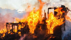 Manžel Silvie podpálil dům a ujel! V plamenech zemřel jejich syn (†11)