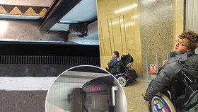 Pro vozíčkáře je vjezd do vagonu metra riziko. Dopravní podnik proto vyplňuje nebezpečné škvíry