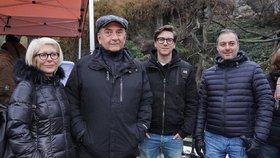Miroslav Donutil vyvedl rodinu do ZOO, a to včetně dospělých synů