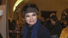 Na Štědrý večer prostírám i pro zesnulého manžela, říká Postlerová