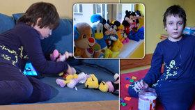 Pavel je sám na autistická dvojčata. Veselá miminka změnilo očkování, tvrdí