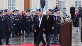 Oslavy 100 let Hradní stráže: Zeman vzpomínal na padlé vojáky, opřel se do demonstrantů z 28. října
