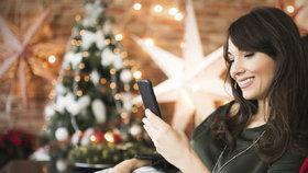 Přání k Vánocům pobaví rodinu i přátele. Tohle jsou naše tipy na veselé SMS!