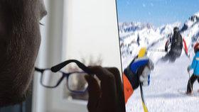 David (28) vidí kvůli oční vadě svět deformovaně. První brýle dostal už ve třech letech