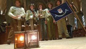 Symbol Vánoc dorazil do Česka: Betlémské světlo přijelo rychlíkem
