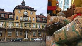 Školáci z Prahy 4 pomáhají: Obdarovali na Vánoce ohrožené a týrané děti z dětského centra