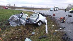 Tragická nehoda zavřela silnici u Mikulova: Senior přejel do protisměru a zemřel