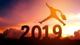 Horoskop na rok 2019: Co nás čeká v práci a jak na tom budeme s penězi?
