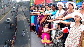 Historický moment pro Indky: 600 kilometrů dlouhý řetěz a vstup do chrámu