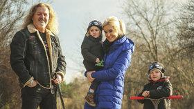 Pepa Vojtek předvedl rodinku jako ze žurnálu: Plánují boj s kaloriemi!