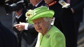 Která jídla jí královna Alžběta každý den? Díky nim je štíhlá i v 94 letech!