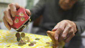 Senioři v Evropě živoří, v Česku jsou na tom lépe. Kolik jich ničí bída?