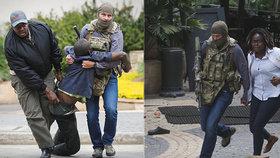 Hrdina z útoku na hotel: Hosty přiběhl zachránit v džínách a se zbraní