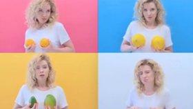 Tohle s vašimi prsy udělá těhotenství a kojení, ukazuje blogerka