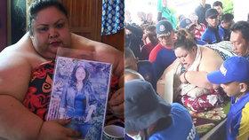 Za 7 let přibrala 176 kilo! Obézní ženu neslo do nemocnice 20 mužů!