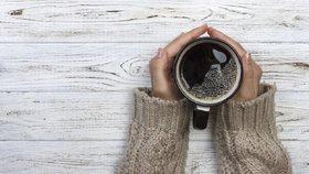 Lógr z kávy nepatří do koše! Tyhle nápady na jeho využití vás nadchnou