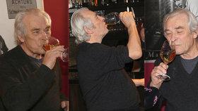 Alois Švehlík zapíjel film, v němž nahradil Třísku (†80): Víno nepustil z ruky!