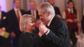 """Zemanovým se z Lán nechce? Prezident koupil """"na důchod"""" pozemek za 2,5 milionu"""
