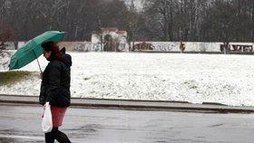 Čerstvě napadaný sníh v Praze dlouho nevydrží. Příští týden očekávejte déšť, sněžení a teploty kolem nuly