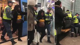 Revizoři chytili těhotnou pasažérku: Vláčeli ji před zraky plačící dcerky!