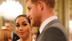 Meghan má rodit a je na to sama! Princ Harry od ní utekl!