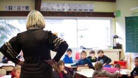 Kdo neumí, učí? Učitelům jazyků chybí vzdělání, říká inspekce