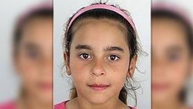 Otec chtěl prodat Evu (12) jako dětskou nevěstu! Ze strachu utekla. Hledá ji policie