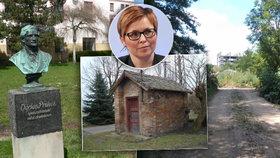 Domy v Česku vlastní mrtví lidé i zaniklé podniky. Pohrobky socialismu dál straší