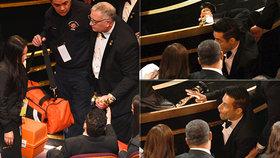 Pozor, padá hvězda! Filmový Freddie Rami Malek převzal Oscara a zřítil se z pódia