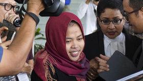 Zvrat v kauze otravy Kimova bratra: Soud propustil jednu z údajných vražedkyň