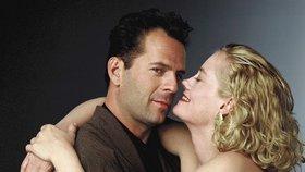 Bruce Willis: Nesmrtelný akční hrdina v dětství koktal, zplodil 5 dcer a pořád je sexy!