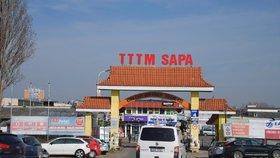 Plesnivé ryby, olihně i zmrazené kachny: Veterináři našli v Sapě 80 kilo potravin bez dokladů