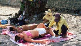 Žena (46) zašla v dovolenkovém ráji na thajskou masáž. Skončila na vozíku