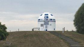 Z observatoře je R2-D2! Přemaloval ji německý profesor se slabostí pro Star Wars
