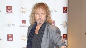 Nestárnoucí zpěvák Peter Nagy (59) práskl, co chlapi řeší v posilovně!