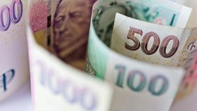 Štěstí v neštěstí: Seniorka ztratila v dešti sedm tisíc korun, našla je poctivá nálezkyně