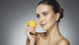Zázrak pro pleť jménem vitamin C: Zpomalí tvorbu vrásek i pigmentových skvrn